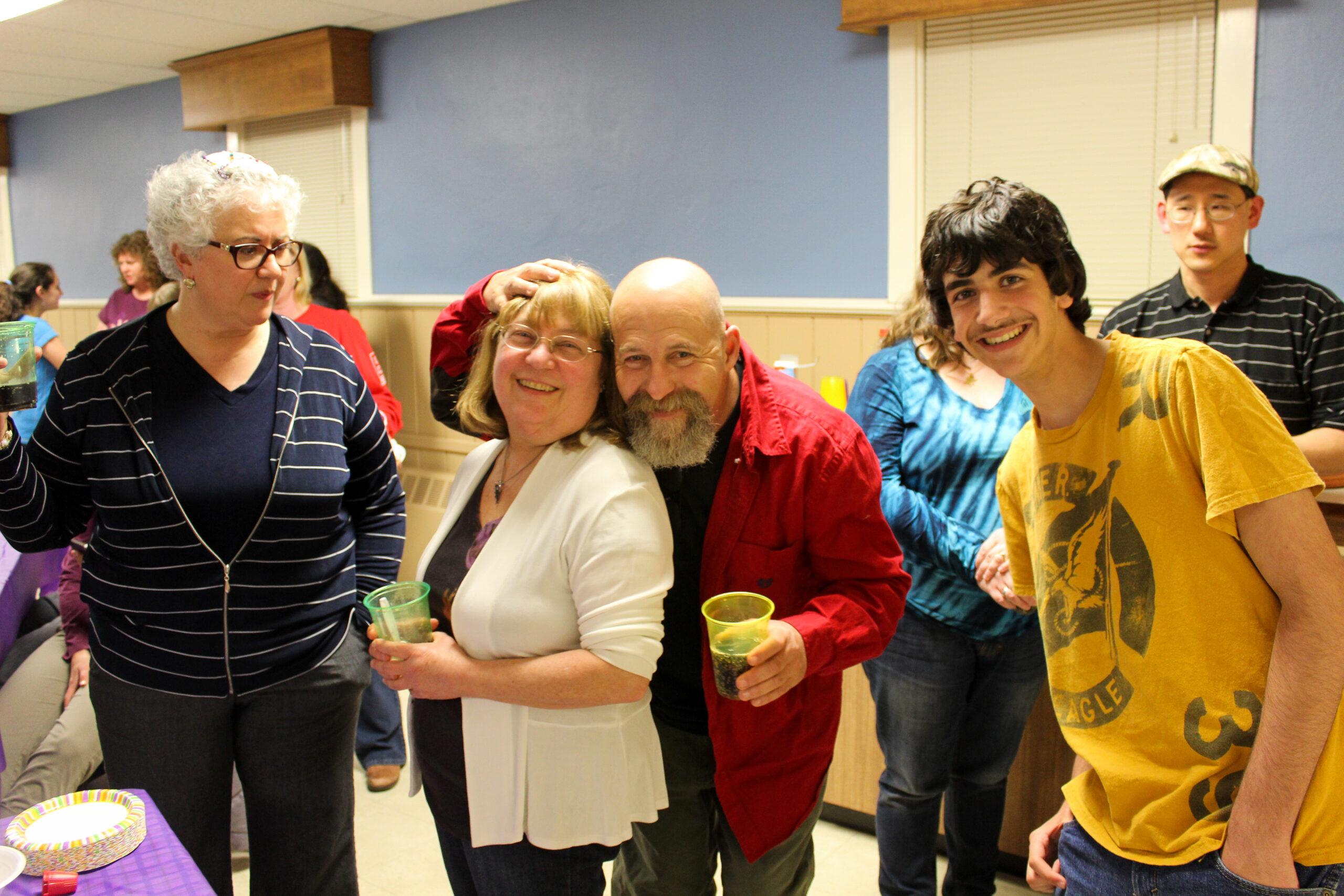 Rabbi Lewis, Iris Hirsch, Shelley Finkelstein and Jonathan